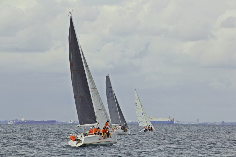 Lomba Yacht
